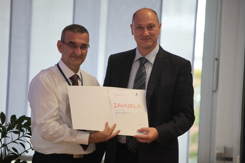 Zahvala FESB / Award for successful collaboration to FESB